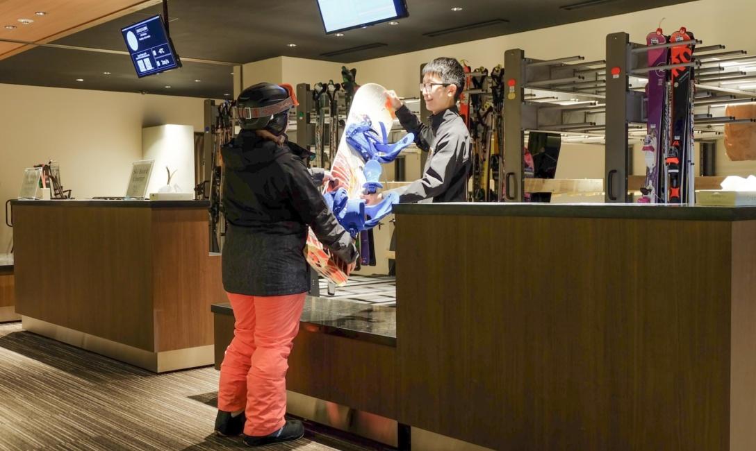 Ski Valet 3